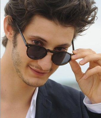 lunettes soleil pantos Pierre Niney