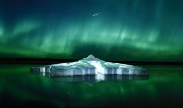 hôtel flottant en verre norvégien dans les fyords