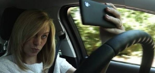 selfie en conduisant