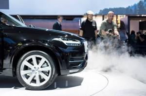 Volvo. Salon de l'auto. XC90. brume