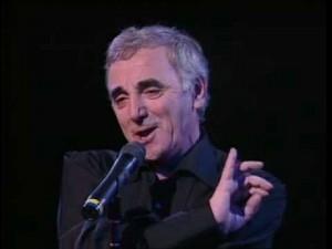 Comme ils disent. Aznavour. Sur scène.