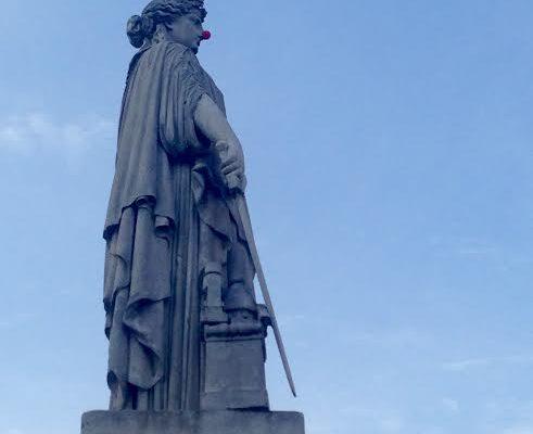 Nez de clown. Statue de la République. JF Soitoux.