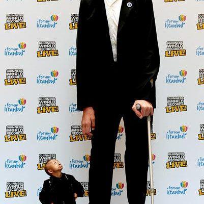 l'homme le plus grand et le plus petit 1
