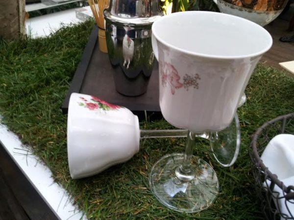 tasses en pied de verre
