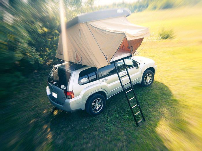 tente sur voiture ist models lada niva avec tente de toit with tente sur voiture perfect tente. Black Bedroom Furniture Sets. Home Design Ideas