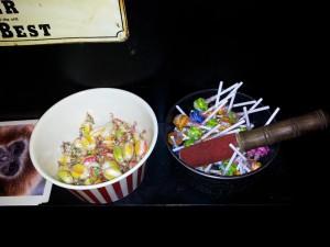 A Mon Image. Bonbons à l'intérieur.