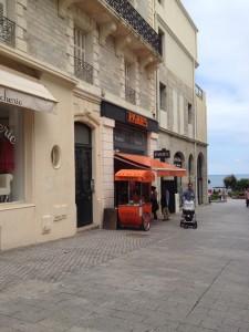 Boutique Pariès à Biarritz. Crédit photo : Iwane Rousset