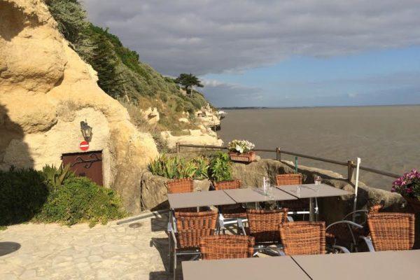 grottes de Matata. Restaurant. Meschers sur Girdonde.