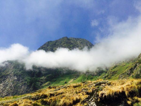 refuge lac d'Oô. Les nuages se lèvent. Isabelle Monrozier