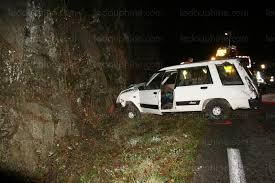 Accident. voiture encastrée.