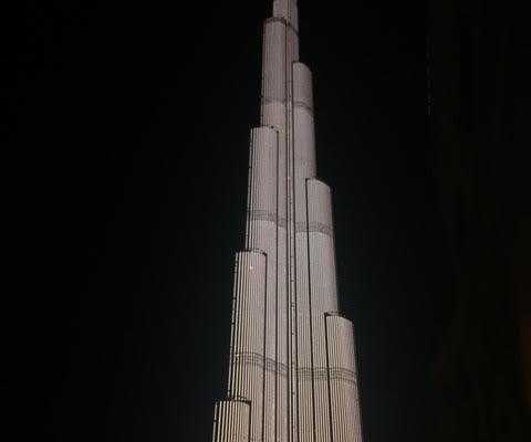 Dubaï Incendie d'une tour.