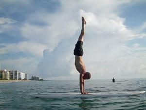 Yoga paddle. Homme.