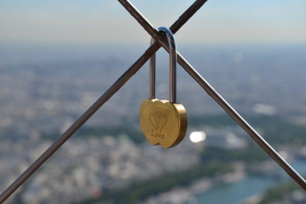 cadenas Tour Eiffel. Héléna Hojenberg.