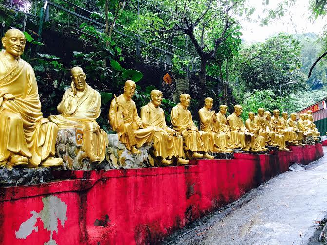Montée du monastère des mille bouddhas.