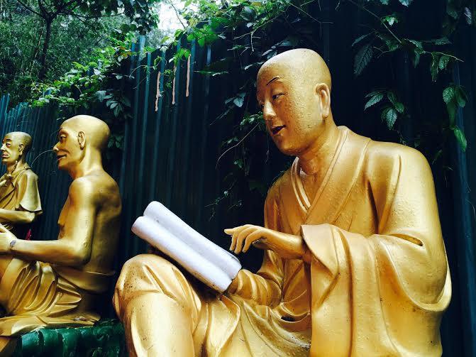 livre. Monastère des dix mille bouddhas