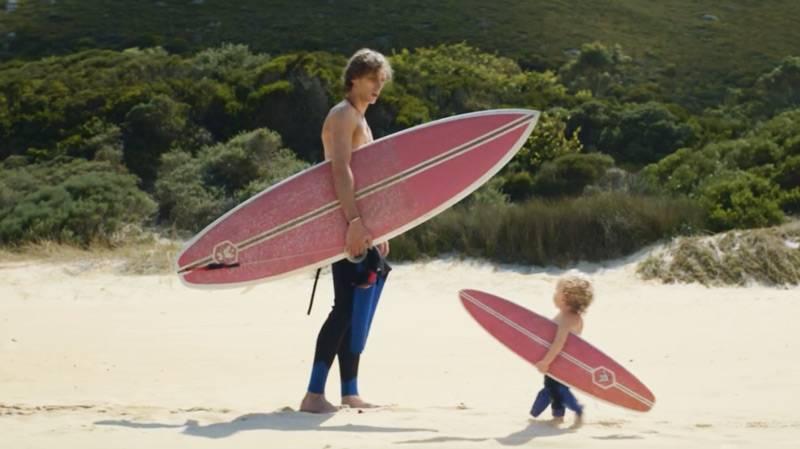 Evian. Pub bébés surfeurs.