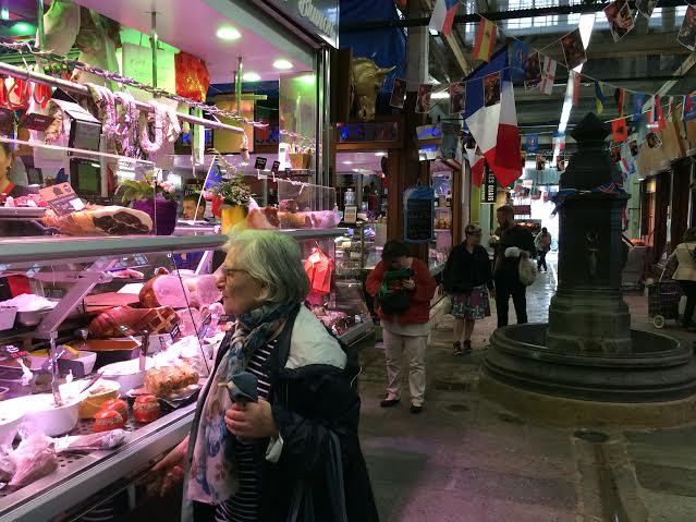 marché d'Aligre. Halle couverte.