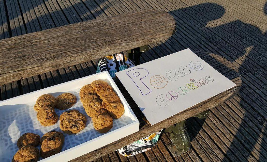 cookies-sur-le-pont-des-arts-la-femme-qui-marche