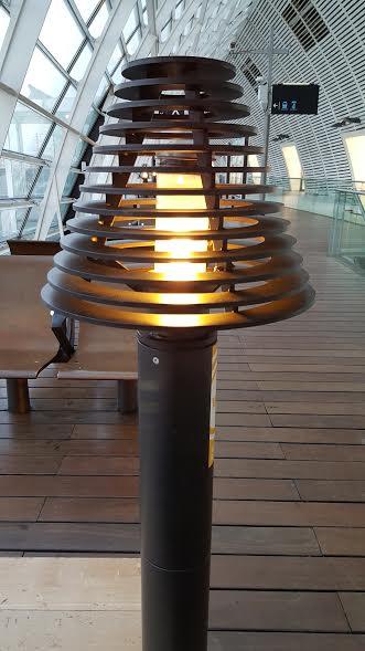 Gare. Sncf. Avignon. Lampe