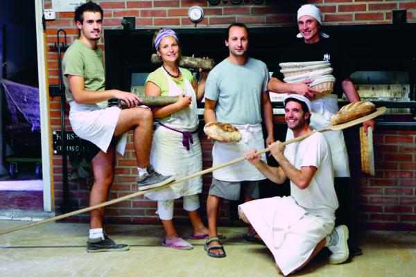 «tronches de pain». editions l'épure. on a envie de les goûter et de connaître les boulangers.
