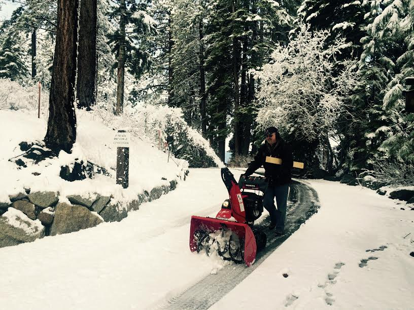 Tahoe chasse neige perso.