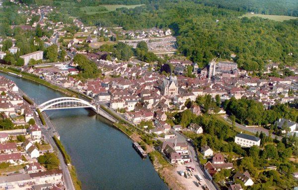 vue_aerienne_de_pont_sainte_maxence