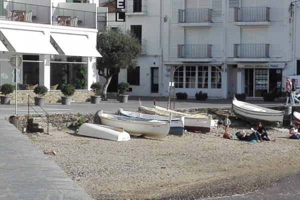 hôtel playa Sol, Cadaqués, La Femme Qui Marche.