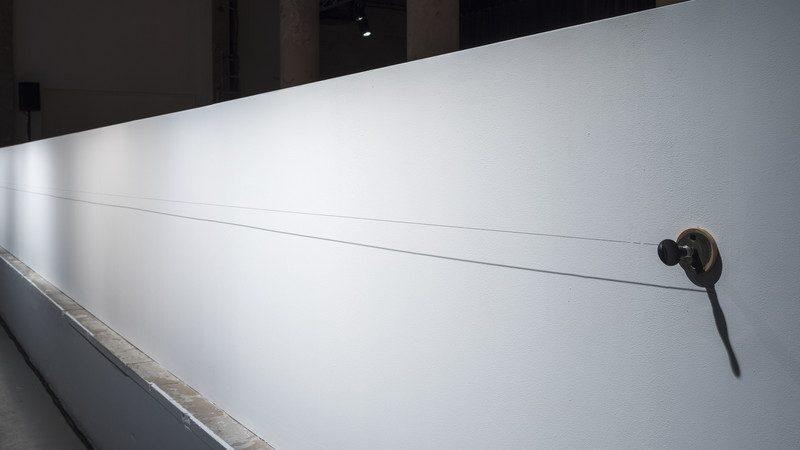 Vue-de-l-exposition-Les-Mains-sans-sommeil-Palais-de-Tokyo-Paris_h_phototheque_view