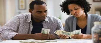 le couple et les dépenses. Qui décide quoi ? Et l'appartement ?