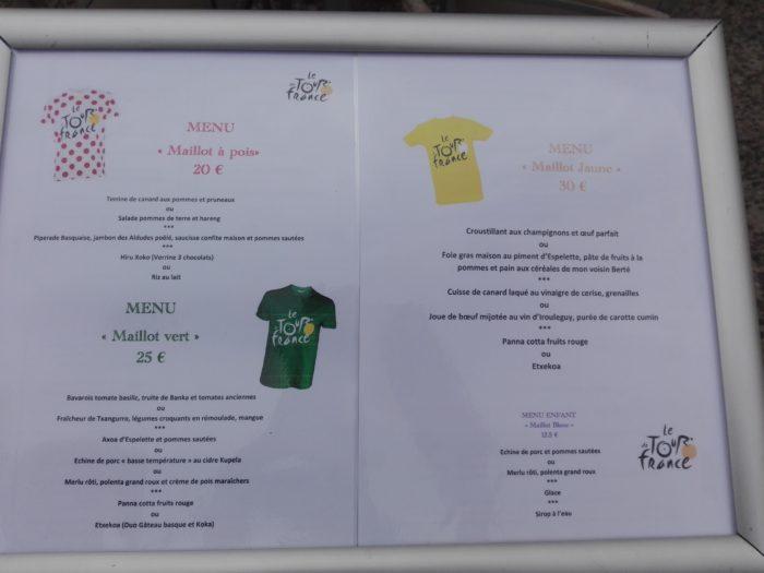 Espelette. Tour de france. La Femme Qui Marche. ;IMG_20180727_161411