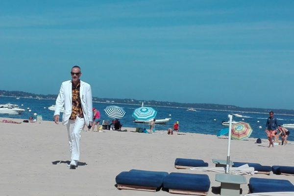 club plage pereire. arcachon. le spectacle est sur le sable.