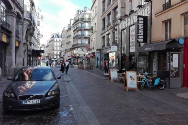 misère dans les rues de paris.
