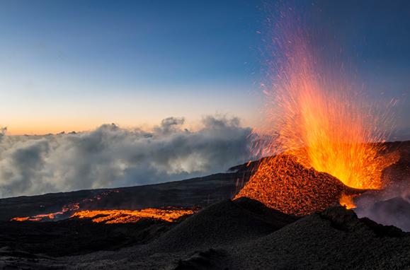 volcan.piton de la fournaise. Ile de la réunion. éruption.