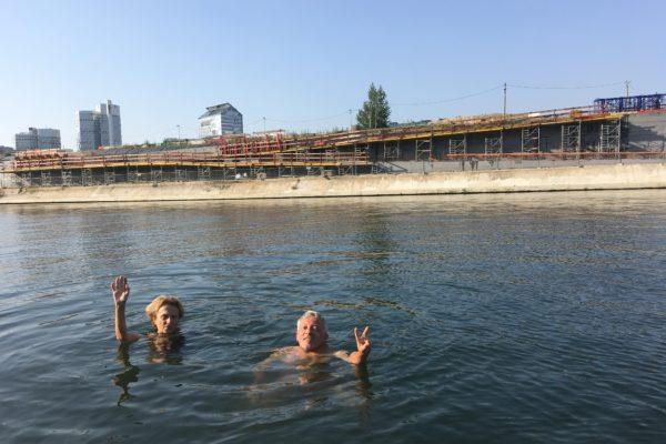 canicule. on se baigne dans la Seine. Mais d'où vient ce mot ?