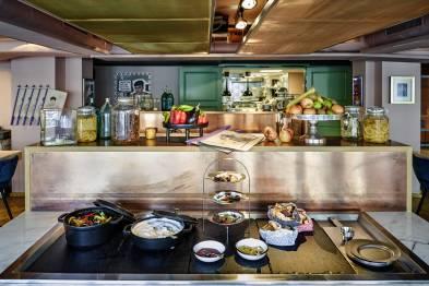 25h_Paris_restaurant neni. Steve Herud.