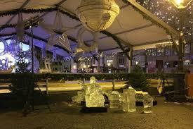 luxembourg : un enfant tué par des morceaux de glace au marché de noël.
