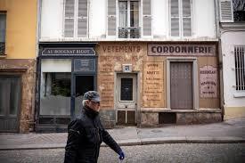 coronavirus. deux rues plongées dans le paris des années 40 occupé par les nazis.