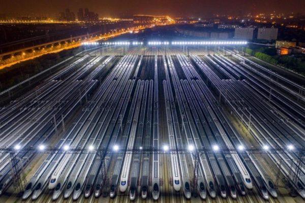 wuhan : les trains prêts hier soir à quitter la ville.