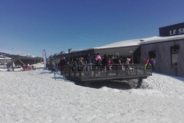 les saisies:ski de fond.masque sur l'asphalte mais pas sur la neige. Et la terrasse des cafés alors ?