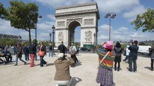 touristes chinois arc de triomphe.