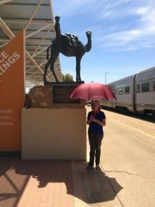 Alice Springs. Ghan. Parapluie