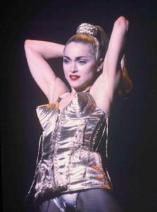 Madonna. Corset Jean-Paul Gaultier.