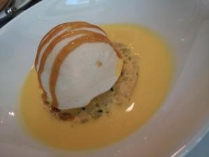 Senoble. Thierry Marx. Blanc manger aux crustacés, crème safranée.
