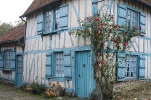 maison bleue. Gerberoy. Oise