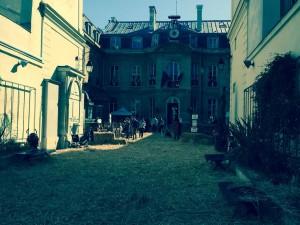 Mairie du neuf. La ferme pédagogique. L a Femme Qui Marche.