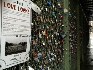LOVE LOCKS. Chicago. Oak Park. Cadeans d'amour.