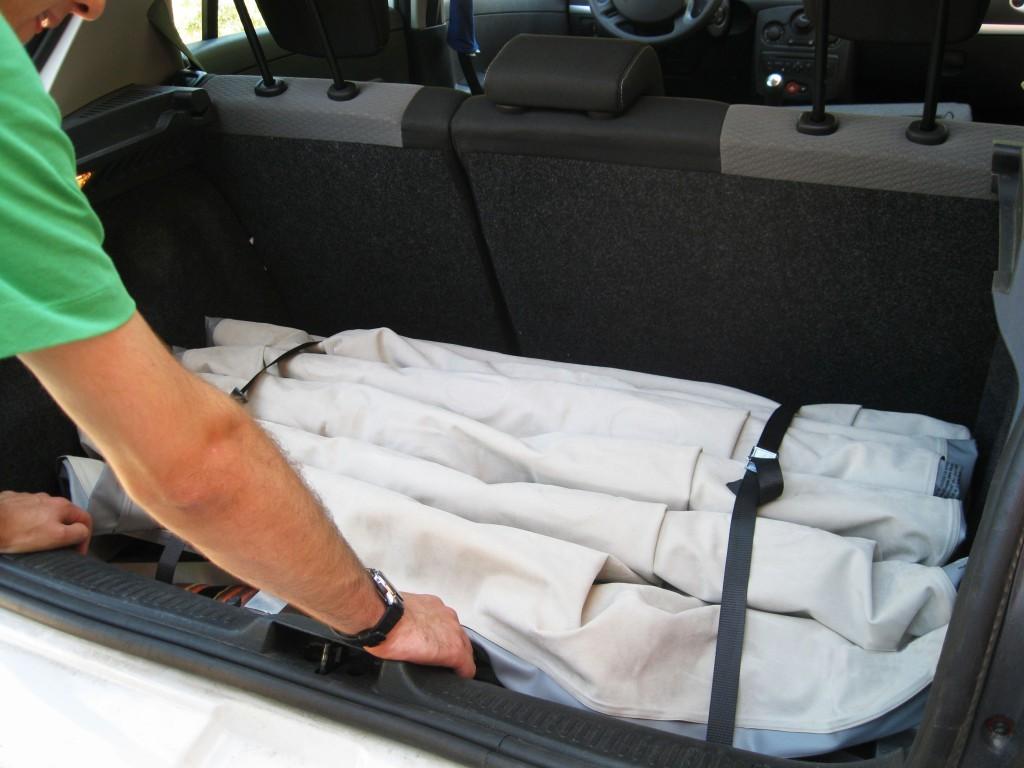 Bedcar dans le coffre de sa voiture