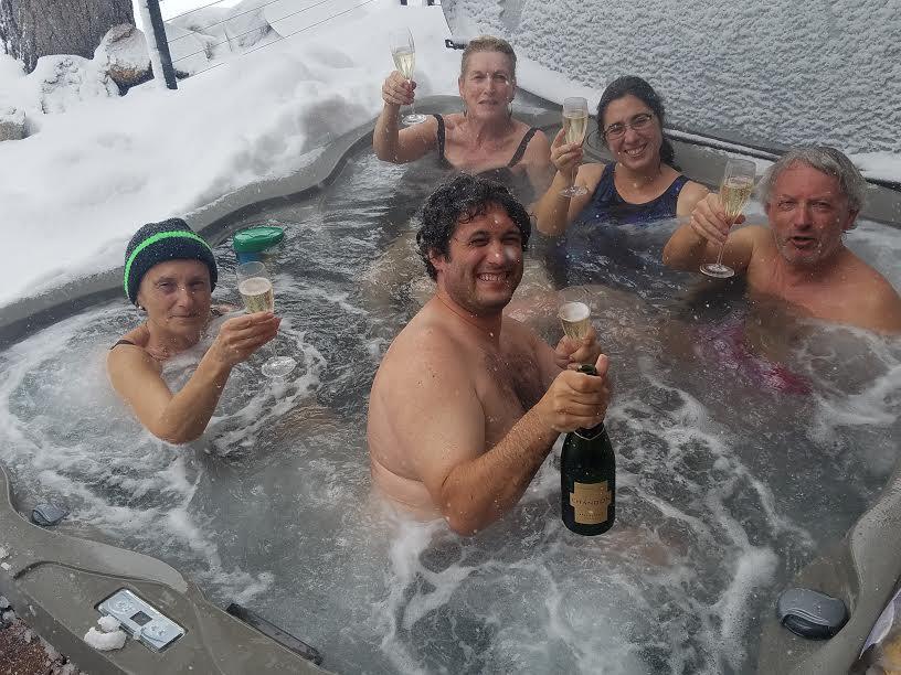 Tahoe Hot Tub champagne
