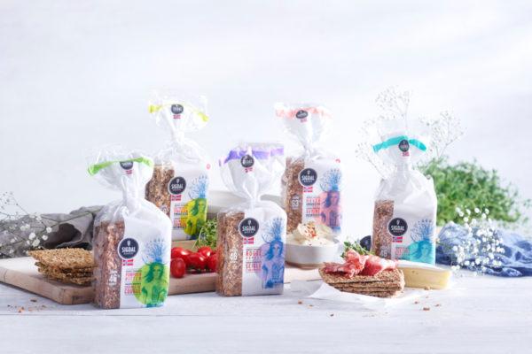 sigdal : un sachet recyclable pour les craquants norvégiens aux céréales.