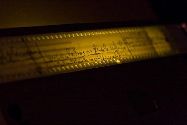 devine qui vient doubler ? musée sacem en ligne. histoire du doublage et du sous-titrage.